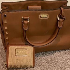 Brown Michael Kors Leather Handbag w/ wallet